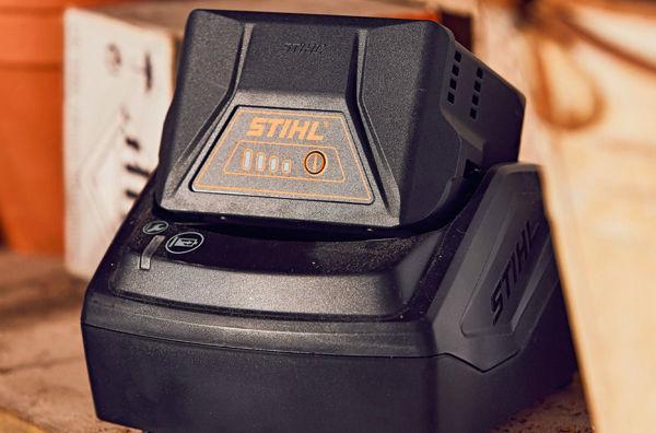 Image de la catégorie Batterie e caricabatterie